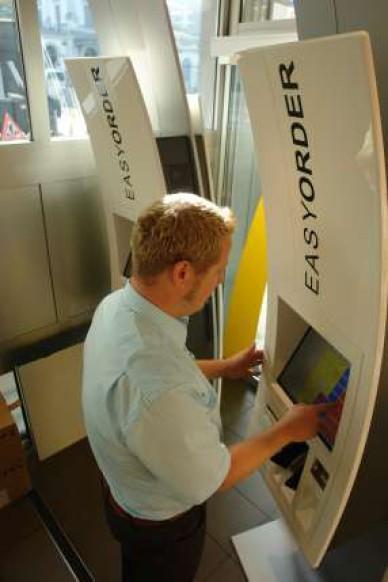 McDonalds-Stadelhofen-Easy-Order Automat