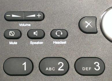 Foto meines Telefons mit einem Kippschalter für die Lautstärkeregelung