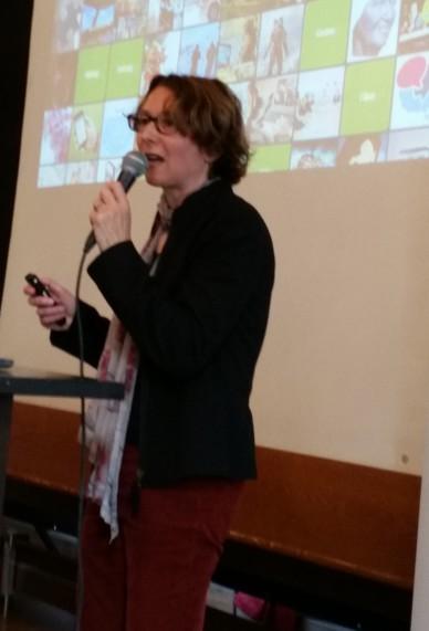 Andrea Rosenbusch beim Vortragen