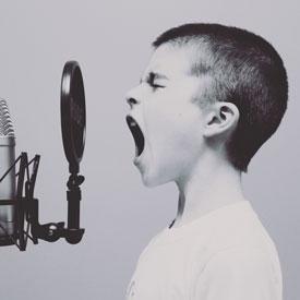 Artikelbild von Sprachsteuerung mit Alexa, Google, Siri & Co. – «Voice first» kommt!